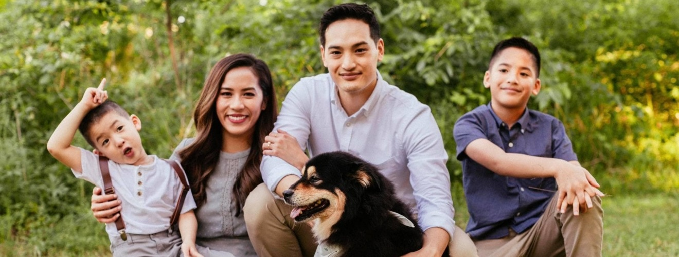 Midlothian dentist Dr. Nguyen and his family